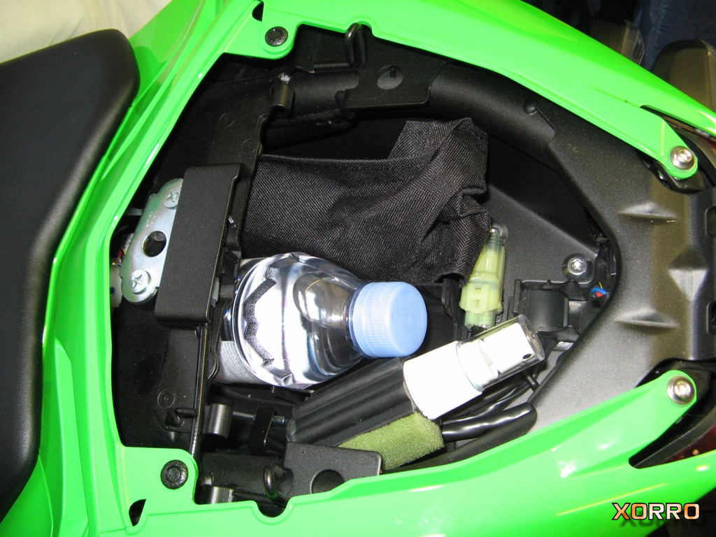How To Remove The Under Seat Storage Tray Kawasaki Ninja 300 Forum